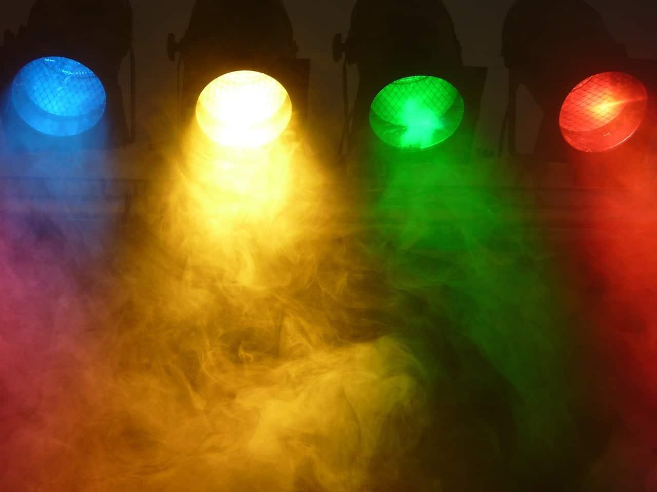 Scheinwerfer im Nebel